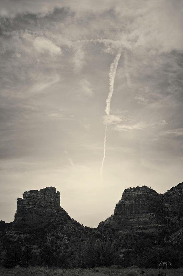 Mesa Photograph - Sedona Landscape No. 4 by Davie Gordon