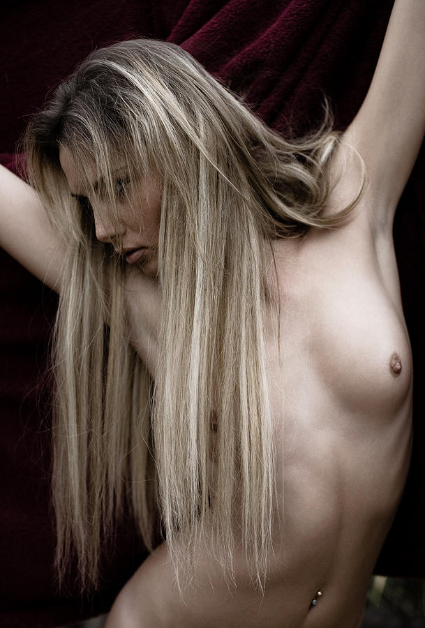 Sensual Photograph - See Me by Olivier De Rycke
