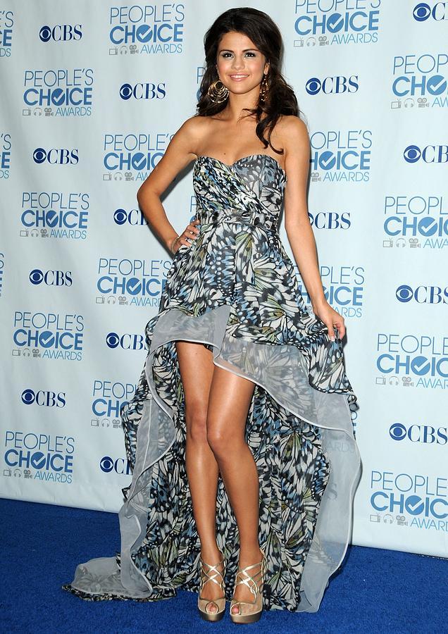 Selena Gomez Wearing An Irina Shabayeva Photograph by Everett
