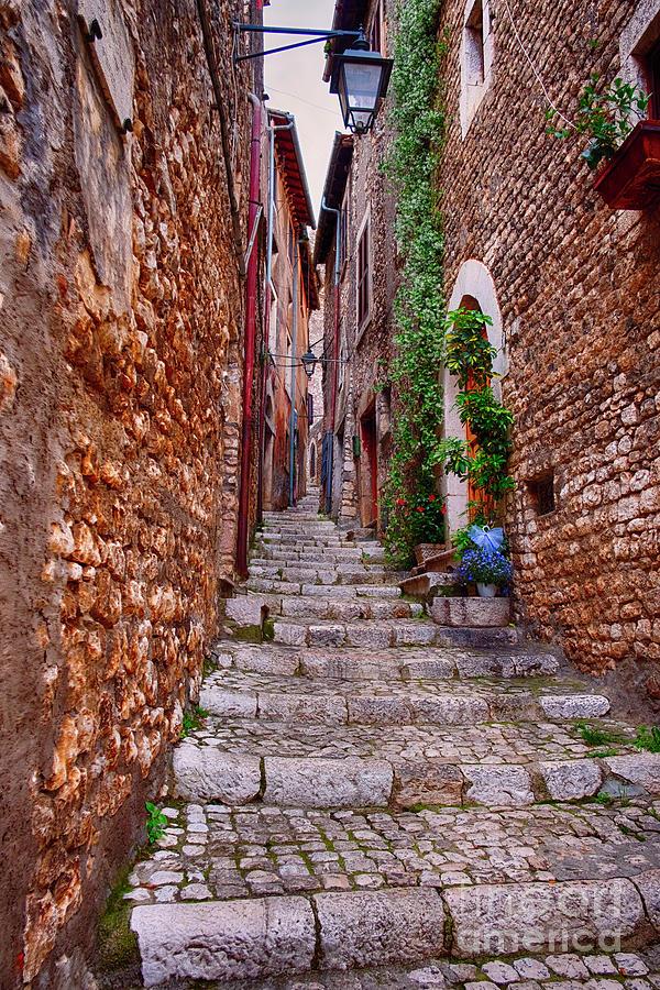 Mediterranean Photograph - Sermoneta Alley by George Oze
