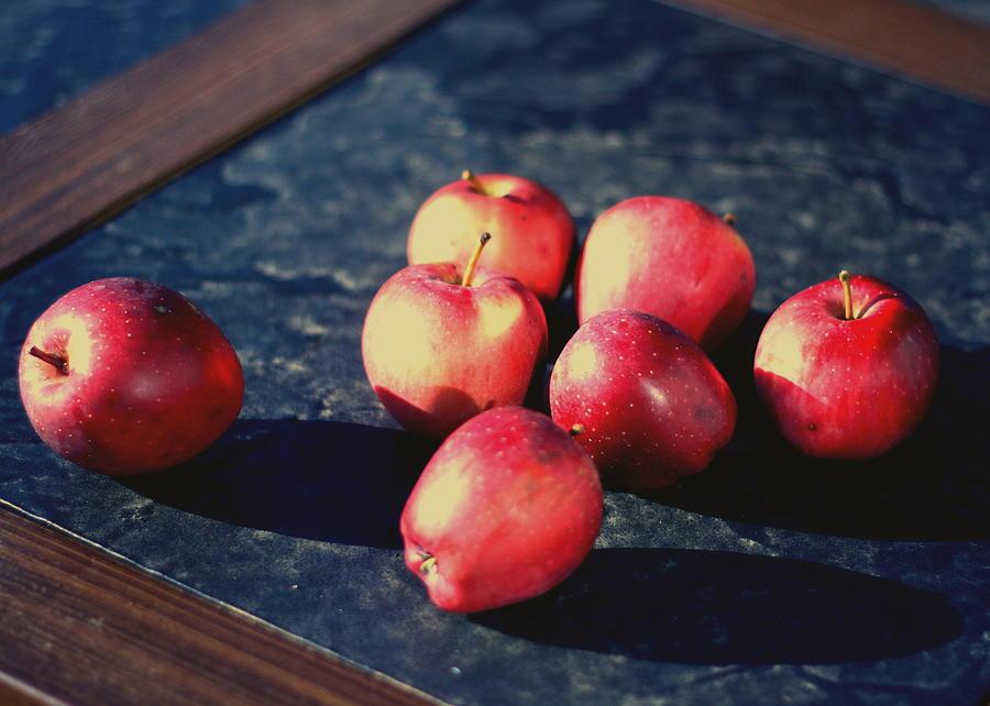 Apples Photograph - Seven Apples by Susie DeZarn