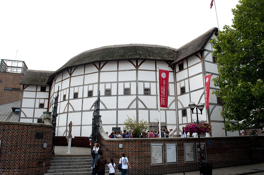 Shakespeare Photograph - Shakespeares Globe Theater by Charles  Ridgway