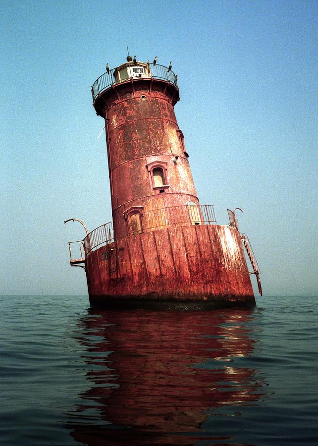 Sharps Island Photograph - Sharps Island Lighthouse Chesapeake Bay Maryland by Wayne Higgs