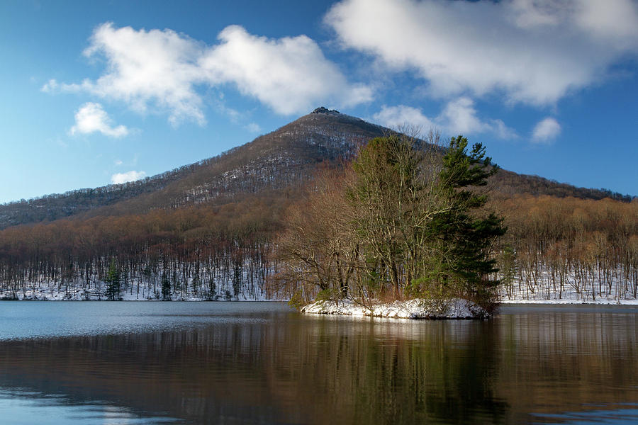 Sharptop Mounting in the Snow by Rob Narwid