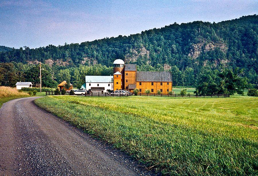 Shenandoah Photograph - Shenandoah Valley Farm by Douglas Barnett
