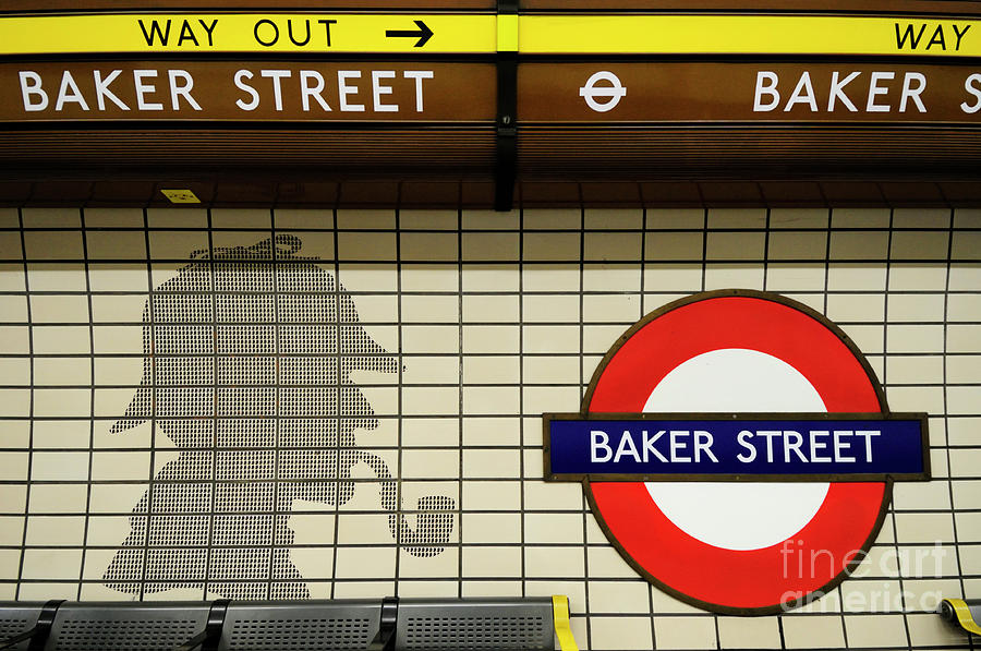Sherlock Holmes Tiles At Baker Street Tube Station