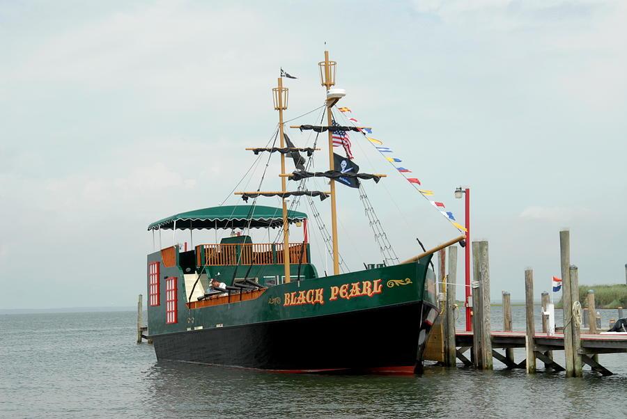 Black Pearl Pirate Sailing Ship Photograph - Ship 16 by Joyce StJames