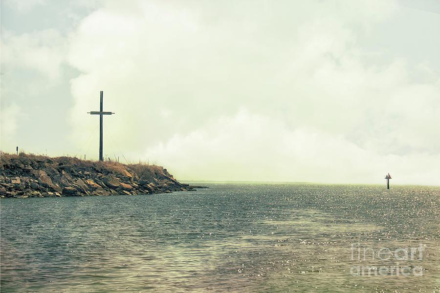 Outdoor Photograph - Ship Mast Memorial  by Tom Gari Gallery-Three-Photography