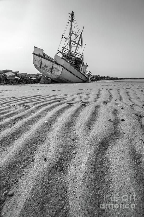 Shipwreck Photograph - Shipwreck Provincetown by Edward Fielding