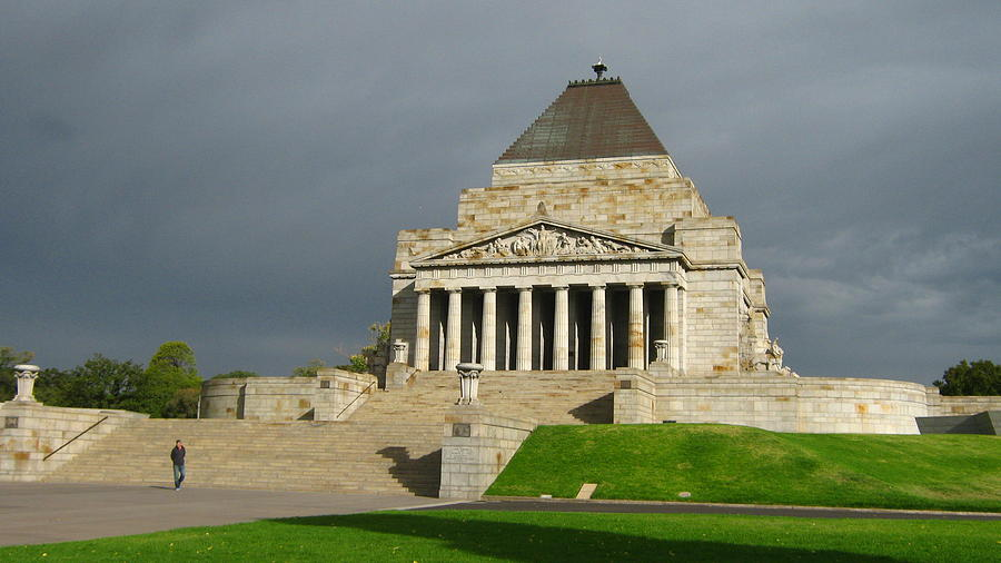 Shrine Of Remembrance Photograph by Emma Frost