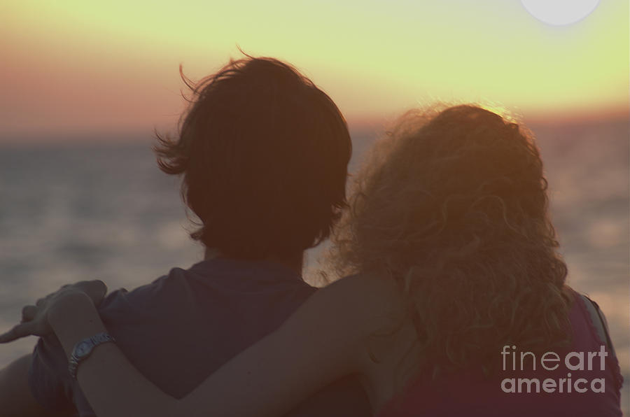 Silhouette Photograph - Silhouette Of A Romantic Couple by Ilan Rosen