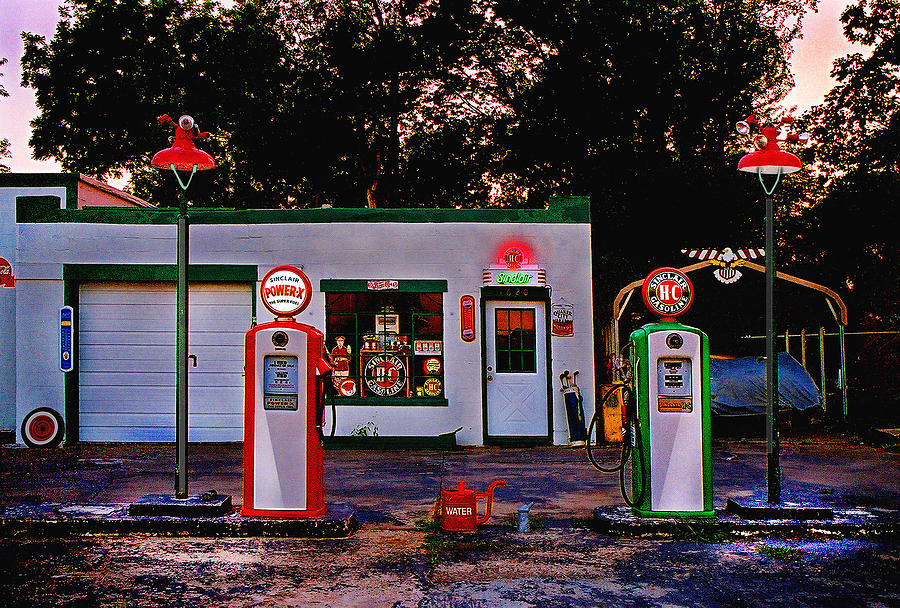 Gas Station Photograph - Sinclair by Steve Karol