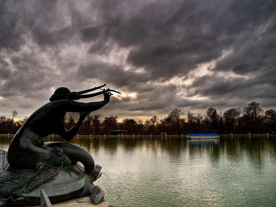 Park Photograph - Sirena Sobre Tortuga by Felix M Cobos