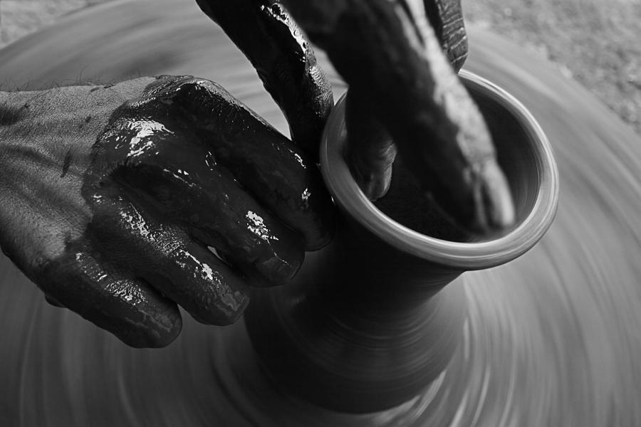 Skc 3469 Art Of Pot Making Photograph
