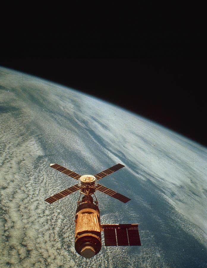 Skylab 1 Photograph - Skylab 1 Space Station In Orbit. by Nasa