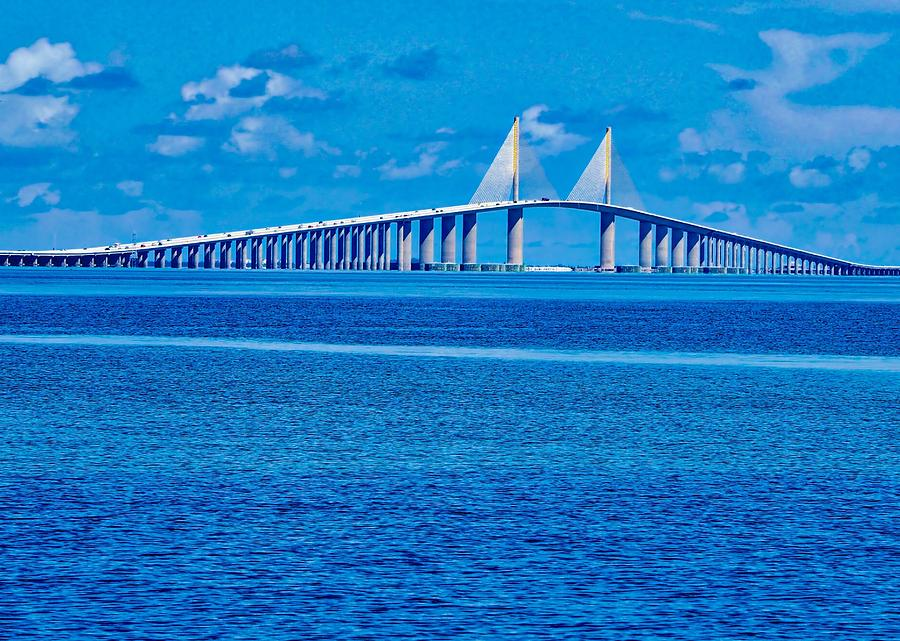 Skyway Bridge by Farol Tomson