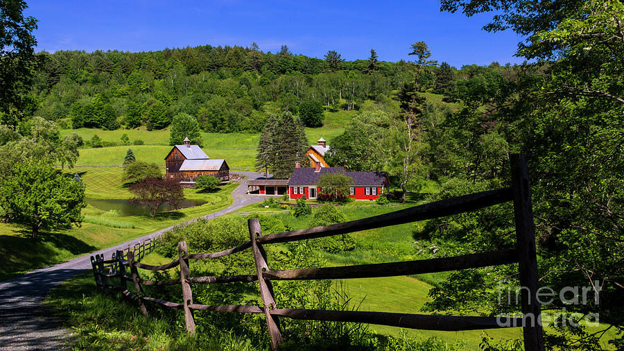 Sleepy Hollow Farm. by Scenic Vermont Photography