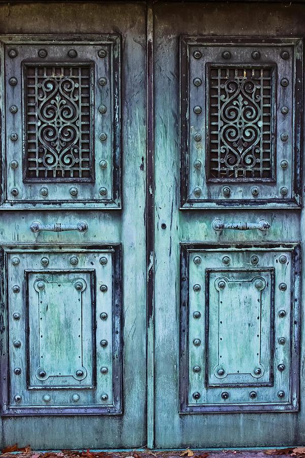Mausoleum Photograph - Sleepy Hollow Mausoleum Doors by Colleen Kammerer & Sleepy Hollow Mausoleum Doors Photograph by Colleen Kammerer Pezcame.Com