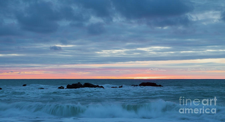 Sliver Photograph - Sliver of Pink at Moonstone Beach by Sharon Foelz