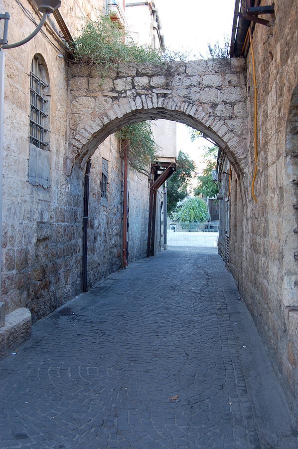 Jerusalem Photograph - Small Street In Jerusalem by Susan Heller