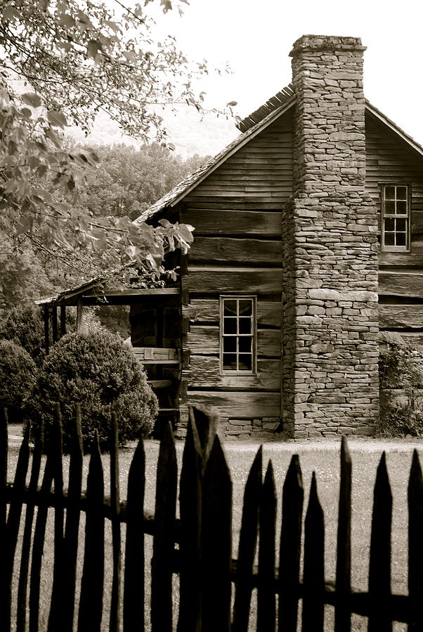 Smokey Photograph - Smokey Mountain Farm Cabin With Picket Fence by Kimberly Camacho