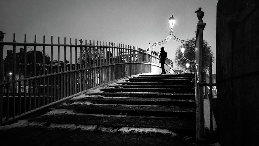 Black photograph snowy hapenny bridge dublin ireland black and white street photography