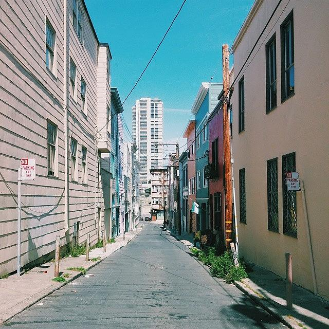 Sanfrancisco Photograph - SF Alley #1 by Felicia Zurich-Gallagher