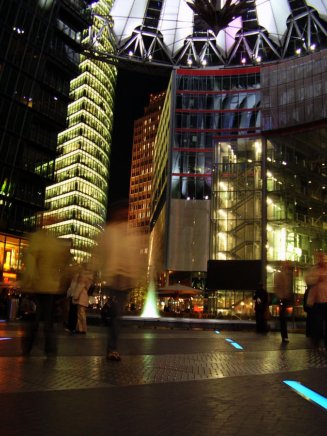 Sony Center Photograph - Sony Center by Flavia Westerwelle
