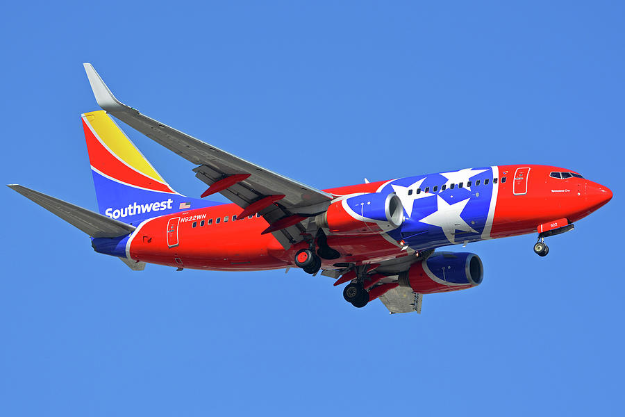 Airplane Photograph - Southwest 737-7h4 N922wn Tennessee One Phoenix Sky Harbor November 28 2017 by Brian Lockett