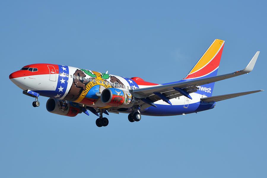 Airplane Photograph - Southwest Boeing 737-7h4 N280wn Missouri One Phoenix Sky Harbor January 24 2016 by Brian Lockett