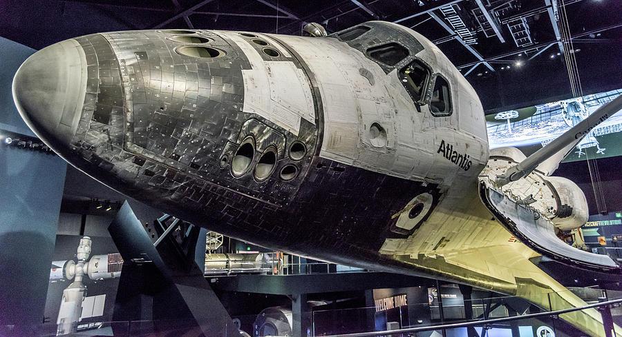 Space Shuttle Atlantis  by Jaime Mercado