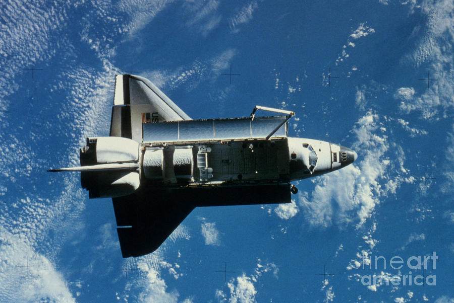 Challenger Photograph - Space Shuttle Challenger by Granger