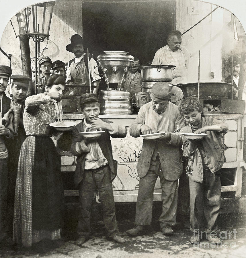 1908 Photograph - Spaghetti Vendor, C1908 by Granger