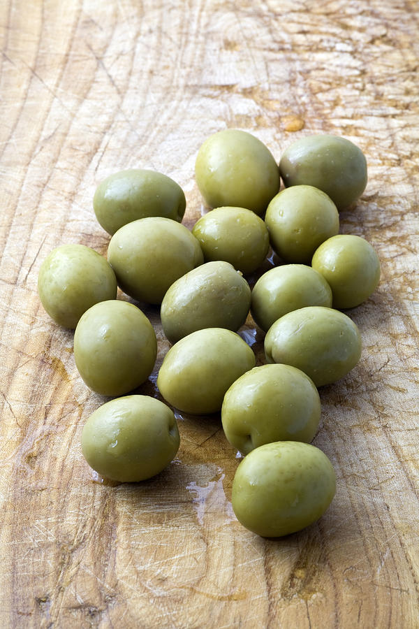 Olives Photograph - Spanish Manzanilla Olives by Frank Tschakert