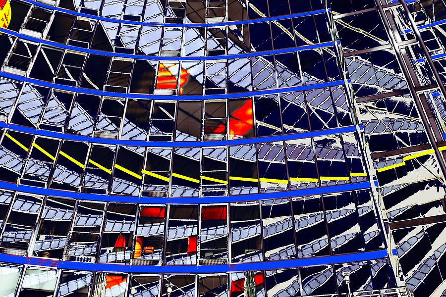 Berlin Painting - Spiegeling by Arie Van Garderen