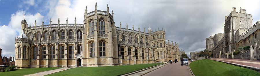 Windsor Castle Photograph - St. Georges Chapel by Gary Lobdell
