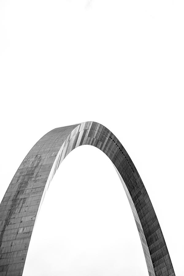 St. Louis Gateway Arch BnW 9585 by David Haskett II