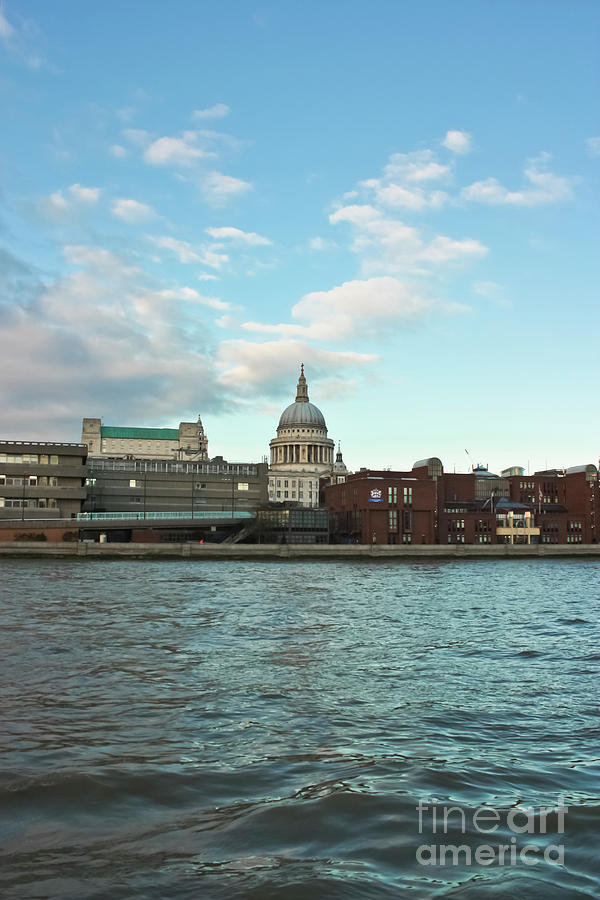 St Paul's Cathedral Photograph - St Pauls Cathedral London by Terri Waters