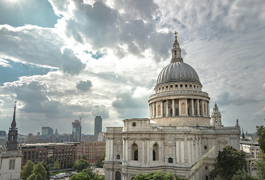 St Paul's Cathedral by Paul Hennell