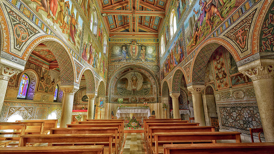 St Stephen's Basilica by Uri Baruch