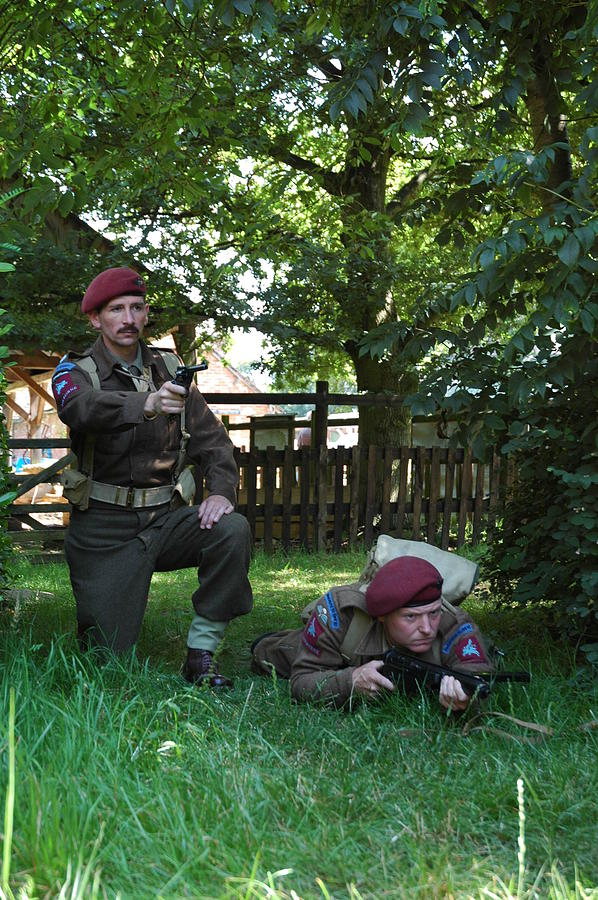Paras Photograph - Stand To by Richard Hadley