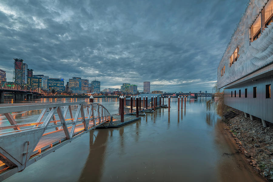 Eastbank Esplanade Photograph - Station 21 by David Gn