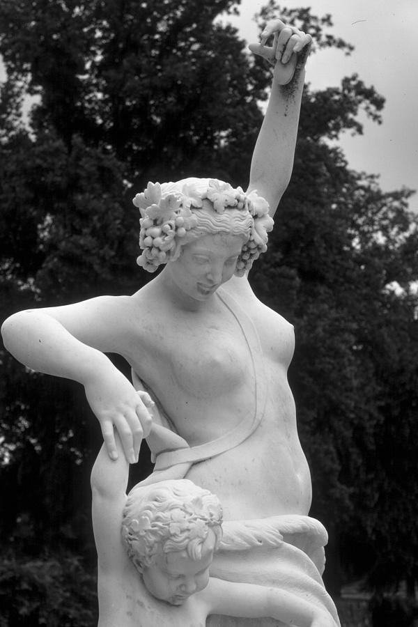 Statue Photograph - Statue London England Park by Douglas Pike