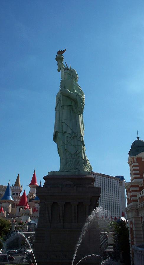 Statue Photograph - Statue Of Liberty Las Vegas by Alan Espasandin