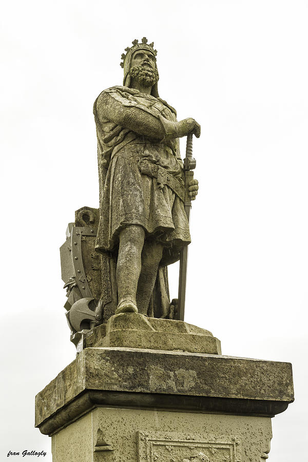 Stirling Photograph - Statue Of Robert The Bruce Stirling Castle by Fran Gallogly
