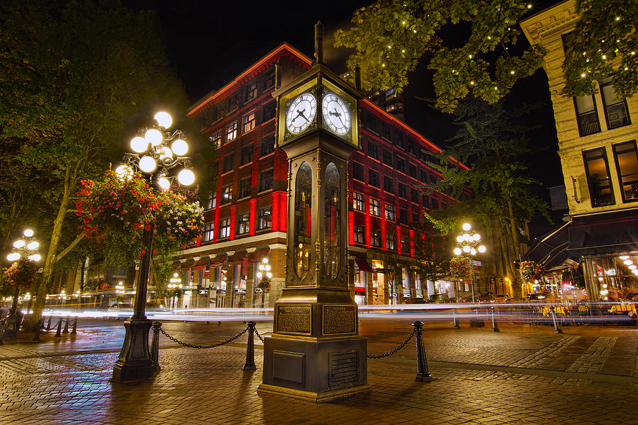 Steam Clock Photograph - Steam Clock In Historic Gastown Vancouver Bc by David Gn