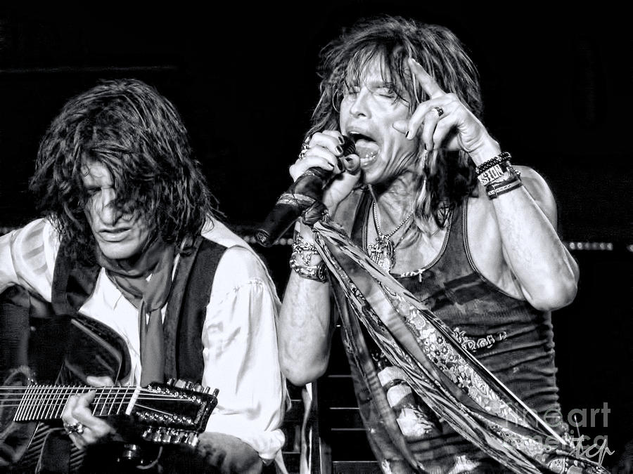 Steven Tyler Photograph - Steven Tyler Croons by Traci Cottingham