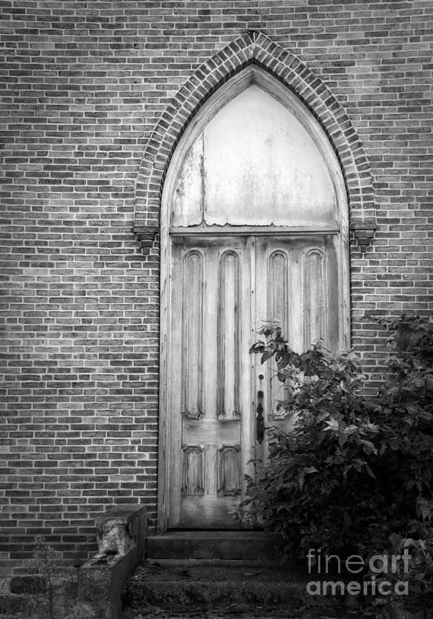 Still Waiting at the Church by Lee Craig