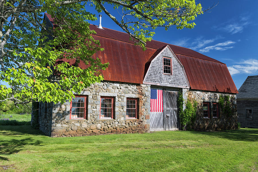 Stone Barn Farm by Dennis Kowalewski