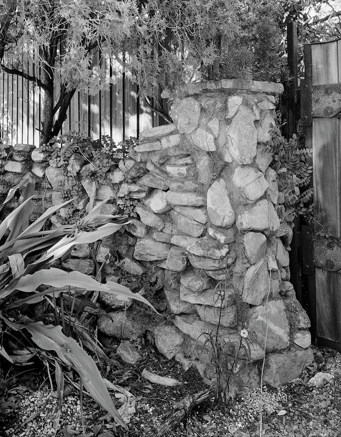 Building Photograph - Stone Wall by John Simmons
